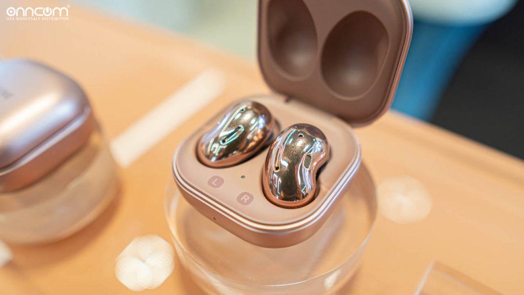 Tai nghe Samsung Galaxy Buds Live có thiết kế hình hạt đậu lạ mắt