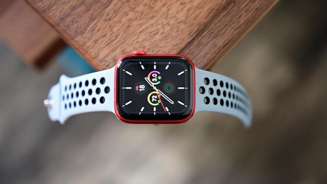 Doanh thu Apple Watch, AirPods của Apple vượt Mac và iPad trong quý 3